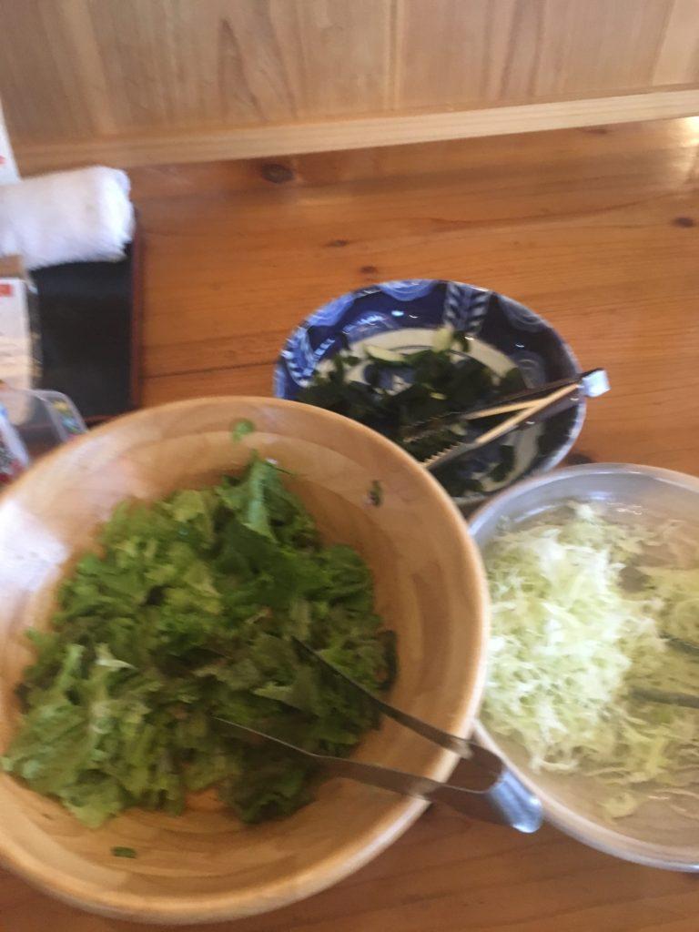 サラダバーのサラダの写真